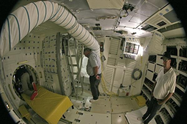 space shuttle cabin crew - photo #23